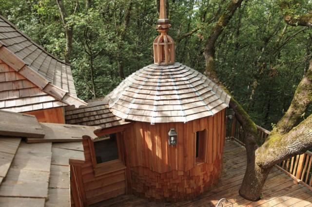 Къща на дърво Hautefort Treehouse