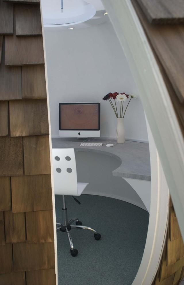 Мобилен офис в градината