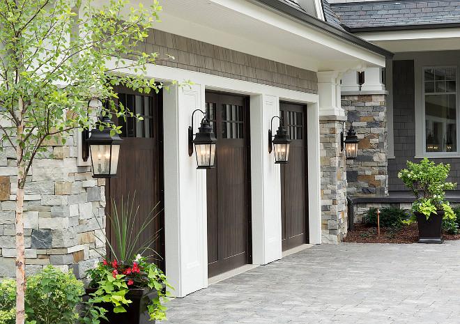 garage-door-fiberglass-wood-looking-garage-door